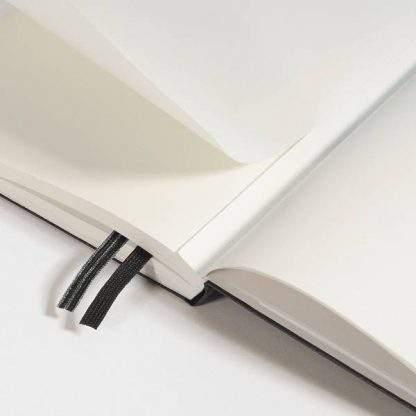 Leuchtturm Medium Notebook, perforált lapok